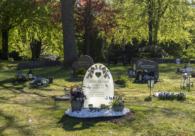 Bild på färdig gravsten